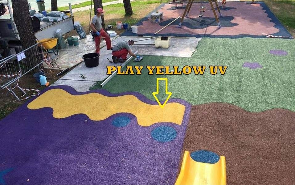 parco giochi colato in opera inserimento colore giallo